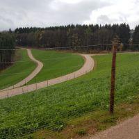 Oberer Teil nach Fertigstellung mit neuen Wegen und Grünflächen